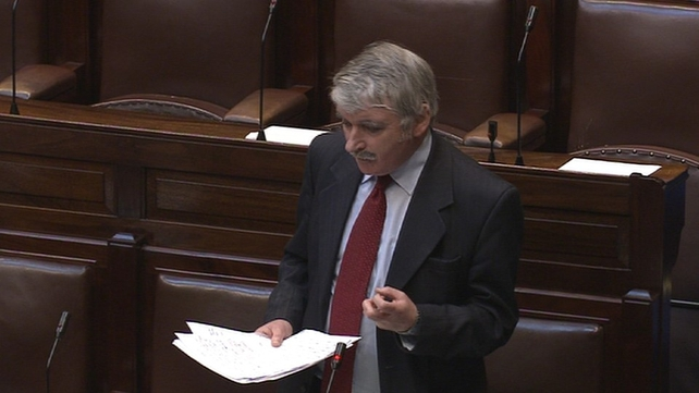 Willie O'Dea criticised the manner of the bill's passage through the Dáil