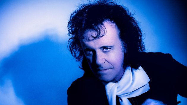 Donovan plays The Olympia Theatre, Dublin this Saturday night, October 26th