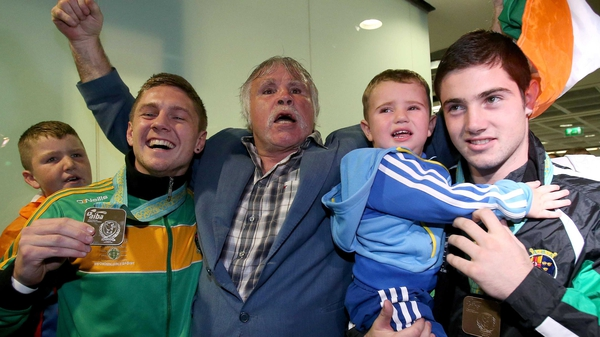 Jason Quigley with Joe Joyce, Joe Ward and his son Joe