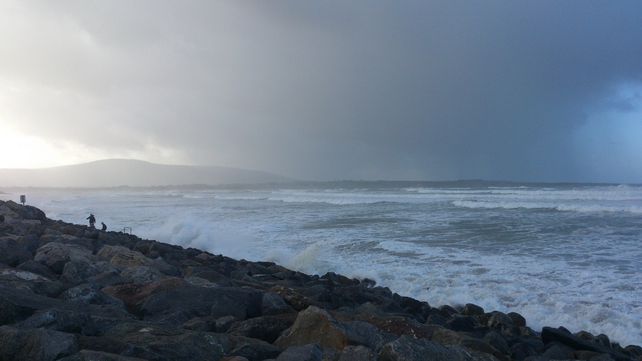 Seas getting choppy at Strandhill Beach, Sligo (pic: Manus Bree)