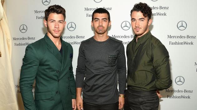 The Jonas Brothers confirm split