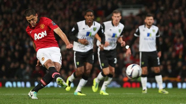 Javier Hernandez scores for United as they ease past Norwich