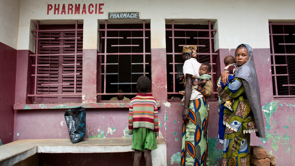 A group of mothers with their children line up at a hospital pharmacy in Bossangoa (Pic: Ton Koene, MSF)