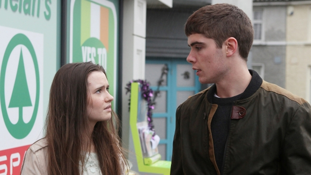 Rachel unwittingly convinces Callum to reach out to his mother