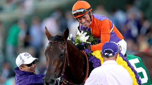 Gary Stevens rode Beholder to victory in the Breeders' Cup Distaff