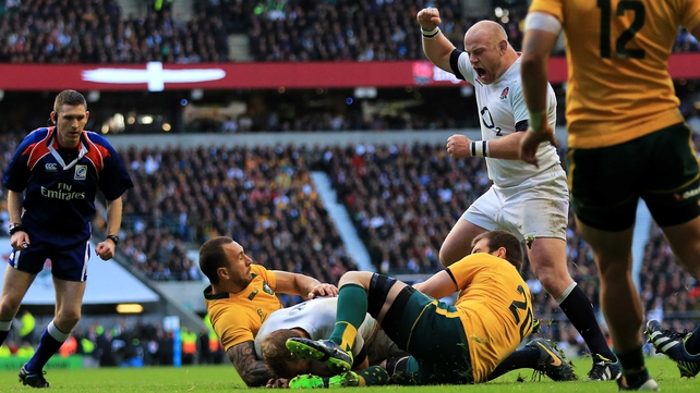 Chris Robshaw pounced for a vital try for England