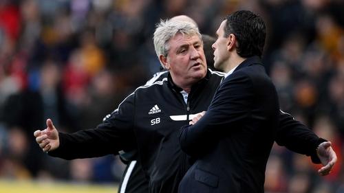 Steve Bruce and Sunderland manager Gus Poyet