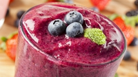 Banana and Berry Smoothie - Delicious, healthy and a perfect w