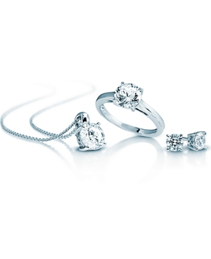Diamonfire Solitaire Set to giveaway worth €180