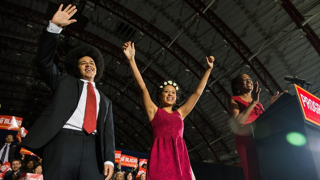 Bill de Blasio's son Dante, daughter Chiara and wife Chirlane wave to the crowd
