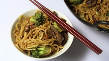 Chicken, broccoli and cashew nut chow mein