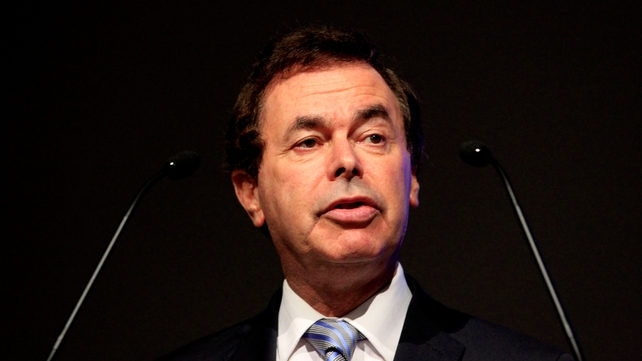 Alan Shatter says Santa will not be charged for excess baggage