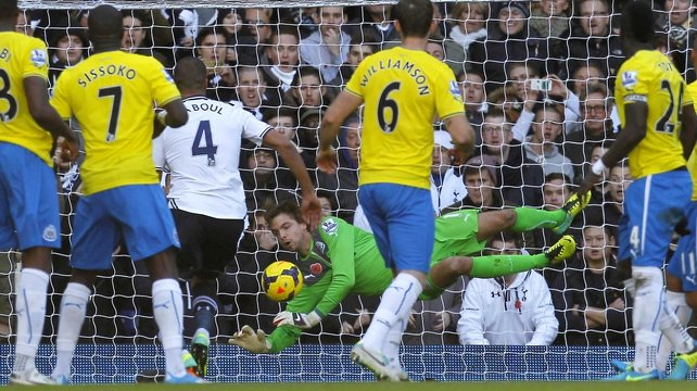 Newcastle goalkeeper Tim Krul pulled off a series of brilliant saves to deny Spurs