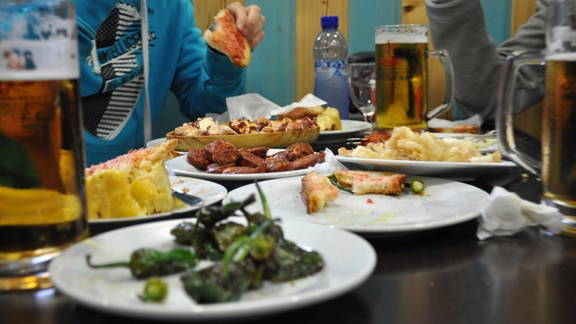 Gorging on tapas around the Barri Gottic and La Rambla is a great way to spend an evening in Bar