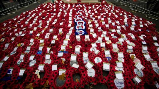 Sinn Fein Lord Mayor attends Belfast Armistice Day ceremony