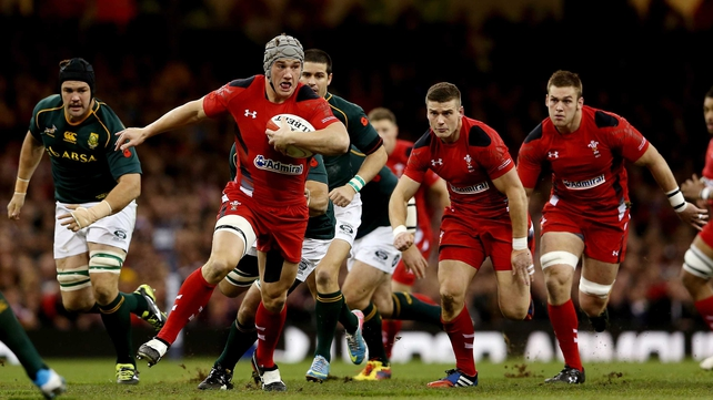 Jonathan Davies is the latest Welsh rugby star to sign for a French club