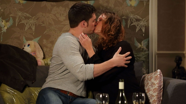 Joey and Janine - something's not right here!