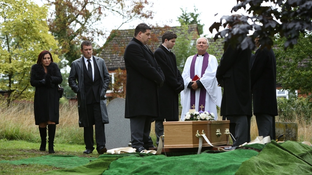 It's a poor turn out for Michael's funeral...