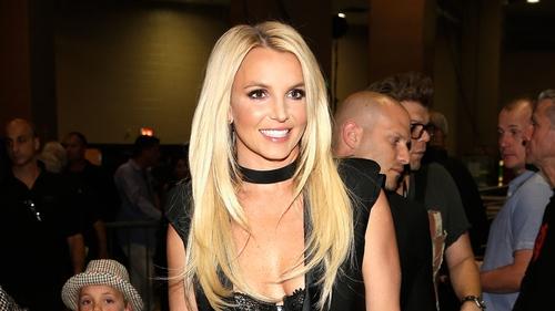 Britney Spears denies locking lips with Ryan Gosling