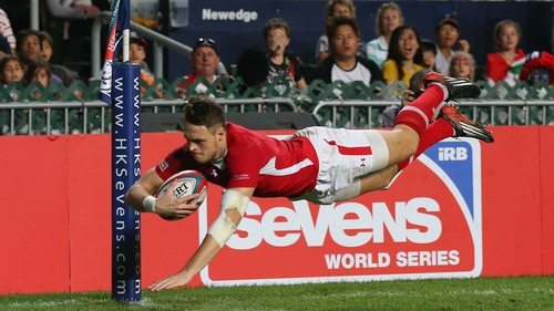 Cory Allen scores a try during the 2013 Hong Kong Sevens