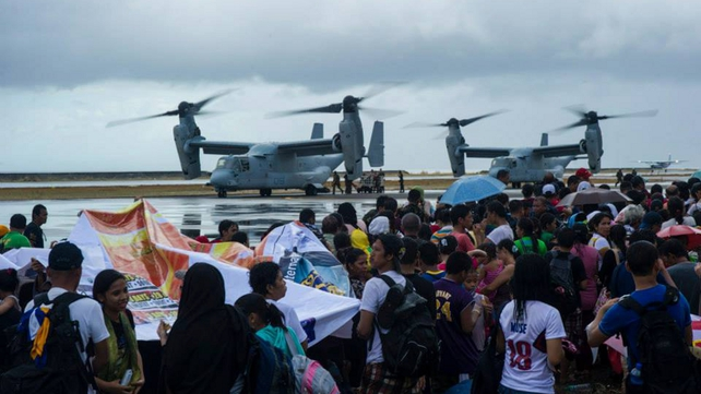 US aircraft and personnel have arrived in the Philippines to help with the relief effort