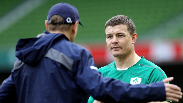 Joe Schmidt talks to Brian O'Driscoll at training during the week