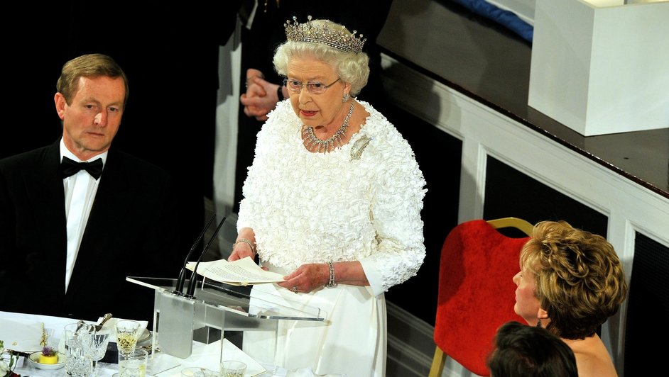 Queen Elizabeth opened her speech at the State dinner in Dublin Castle in Irish, greeting 'A Uachtaráin agus a chairde'