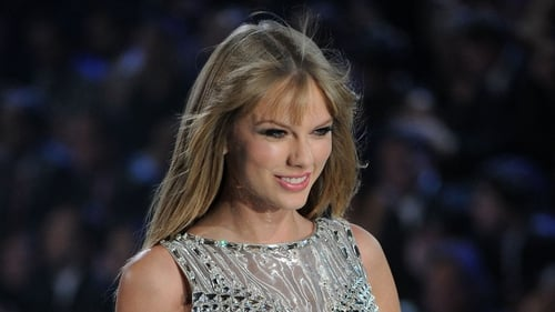 Taylor Swift not afraid to show 'raw emotions' in public