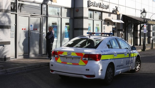Cash recovered following armed raid on Dublin bank