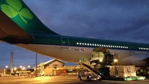 The Aer Lingus plane being loaded at Dublin Airport this morning with aid for the Philippines