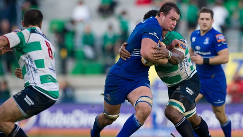 Quinn Roux carries ball-in-hand against Treviso