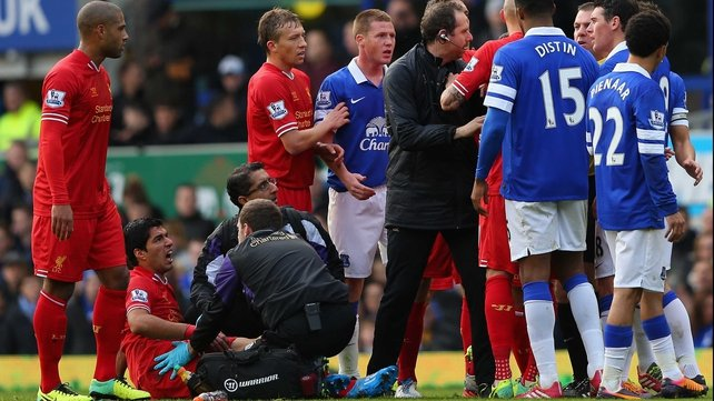Kevin Mirallas admits he expected to see a red card for his foul on Luis Suarez