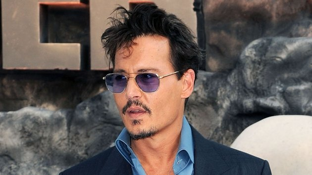 Johnny Depp honoured for hair and make-up
