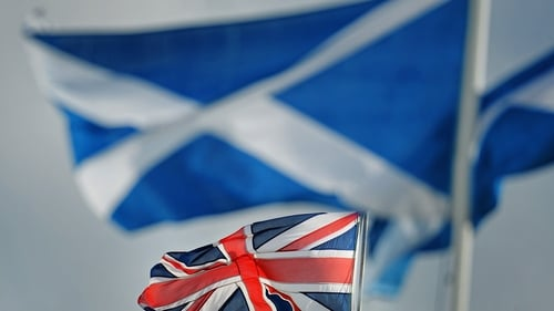Alex Salmond says there would be no need to increase taxes if Scotland broke away from England