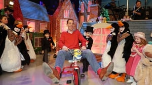 Ryan Tubridy gave some children a preview of the set of the Late Late Toy Show (Pic: Laura Hutton/Photocall)