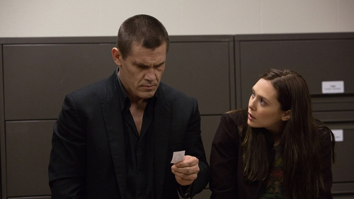 Josh Brolin and Elizabeth Olsen in Old Boy