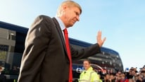 Arsene Wegner tight-lipped on Berbatov link