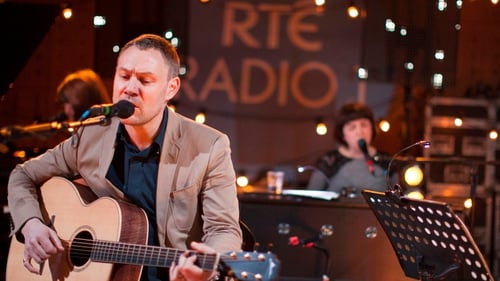 David Gray will perform on the Late Late Show