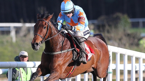 Connections of Un De Sceaux had considered racing their charge in the  Champion Hurdle at the Cheltenham Festival