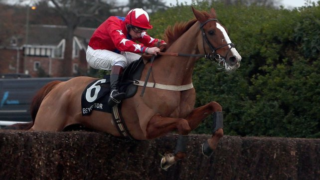 Sire De Grugy is unbeaten in seven starts over fences on right-handed tracks