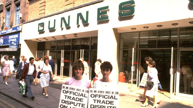 More than half of those who took part in the Dunnes Stores anti-apartheid strike are expected to travel to South Africa for the funeral services of Nelson Mandela
