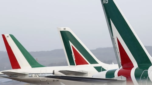 Etihad Airways to buy 49% of Italian carrier Alitalia