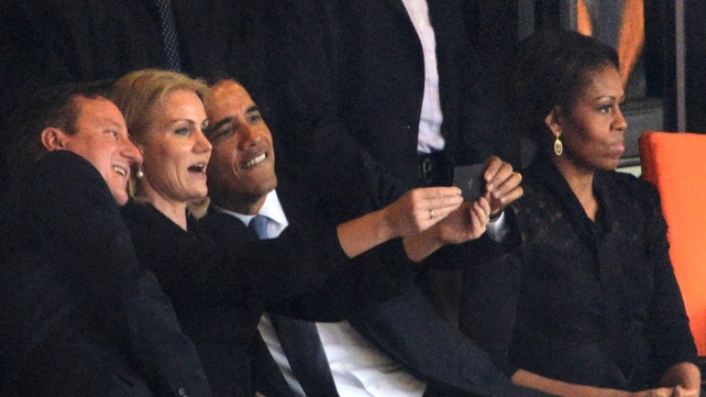 British Prime Minister David Cameron, Danish Prime Minister Helle Thorning Schmidt and US President Barack Obama pose for a 'selfie'