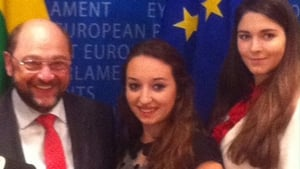 Irish student Laura Hegarty (centre) is pictured with European Parliament President Martin Schulz (Pic: Paul Cunningham)