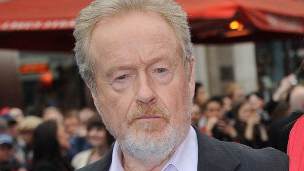 Ridley Scott in final talks to direct Matt Damon in The Martian