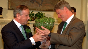 Taoiseach Albert Reynolds gives US President Bill Clinton a bowl of shamrock for St Patrick's Day in the White House in 1993 (Pic: Photocall)