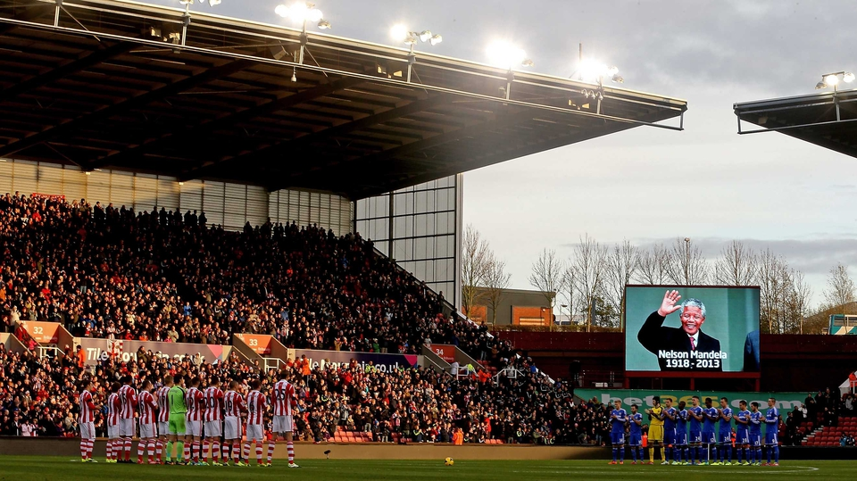 Stoke and Chelsea players line up for a minutes applause in memory of Nelson Mandela