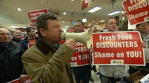 Farmers pledged to buy up all of the fresh produce in Dunnes Stores in the St Stephen's Green Shopping Centre