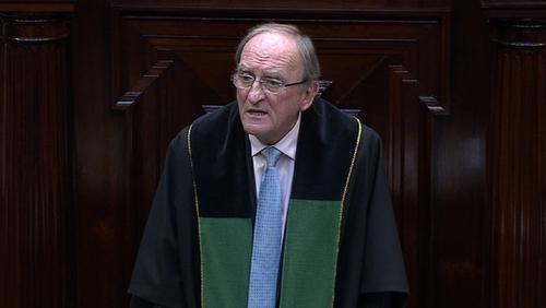 Ceann Comhairle Séan Barrett today suspended the Dáil for the day after a row