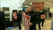 Farmers stage protests against supermarket chains selling vegetables at low prices